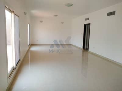 3 Bedroom Villa for Rent in Jumeirah, Dubai - Big Private Garden | Communal Pool | Maid's Room