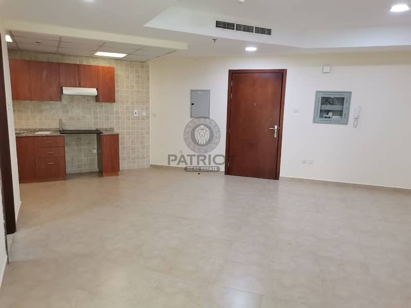 2 HOT DEAL  in new Building Dubai gate 2 few mints walk to metro station