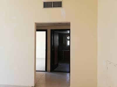 شقة 1 غرفة نوم للايجار في تجارية مويلح، الشارقة - شقة في تجارية مويلح 1 غرف 19990 درهم - 4820192