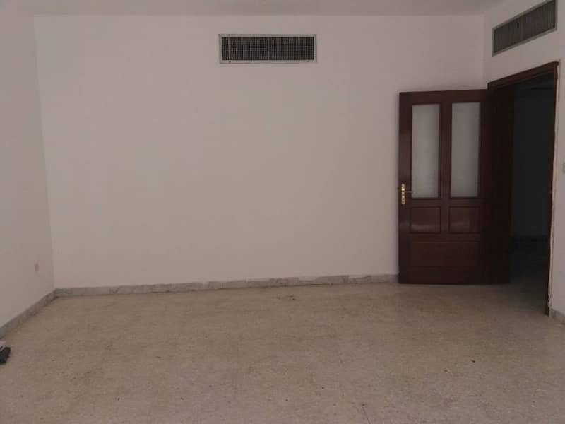 2 Low Price clean and bright 3bhk on 62k