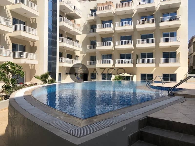 10 Spacious 2BHK | Chiller Free | Pool View