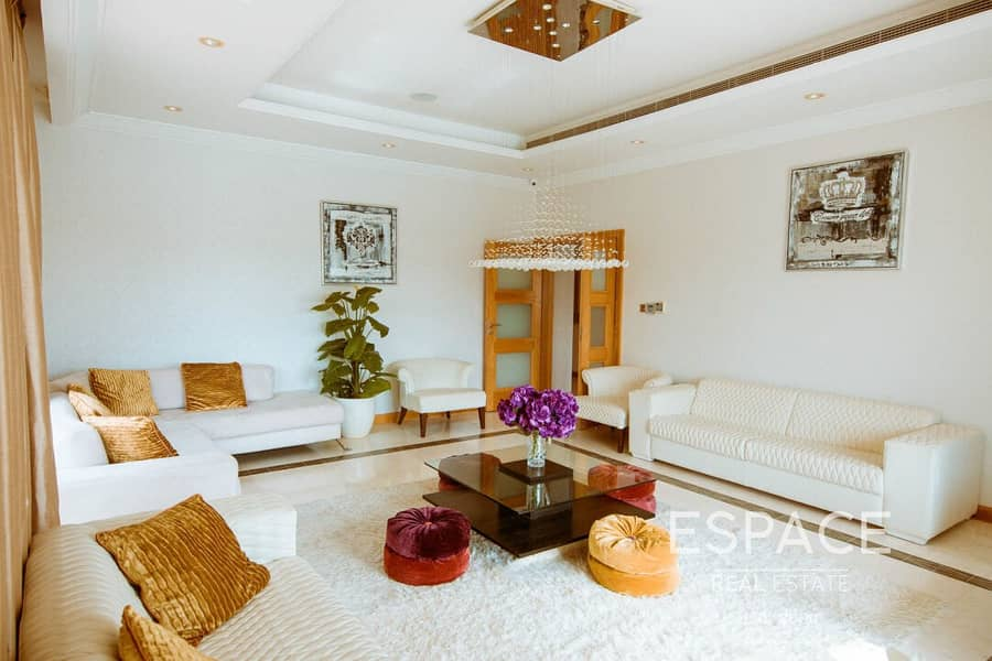 2 Skyline View | 4 Bed + Maid | Grand Foyer
