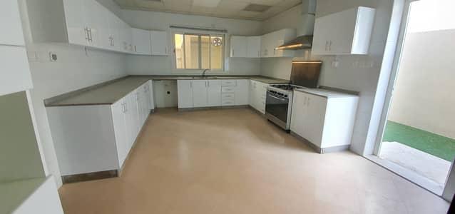 فیلا 4 غرف نوم للايجار في براشي، الشارقة - فیلا في براشي 4 غرف 85000 درهم - 4815266