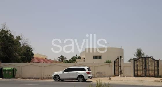 فیلا 5 غرف نوم للبيع في المرقاب، الشارقة - 5 BED villa Huge plot on the main road