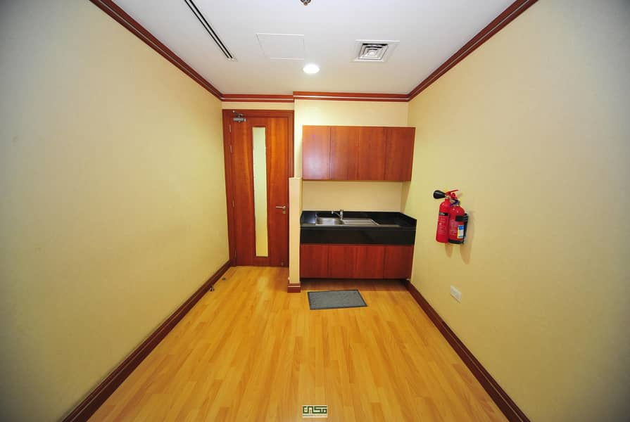 8 No Commission|Chiller Free|Fitted office for rent