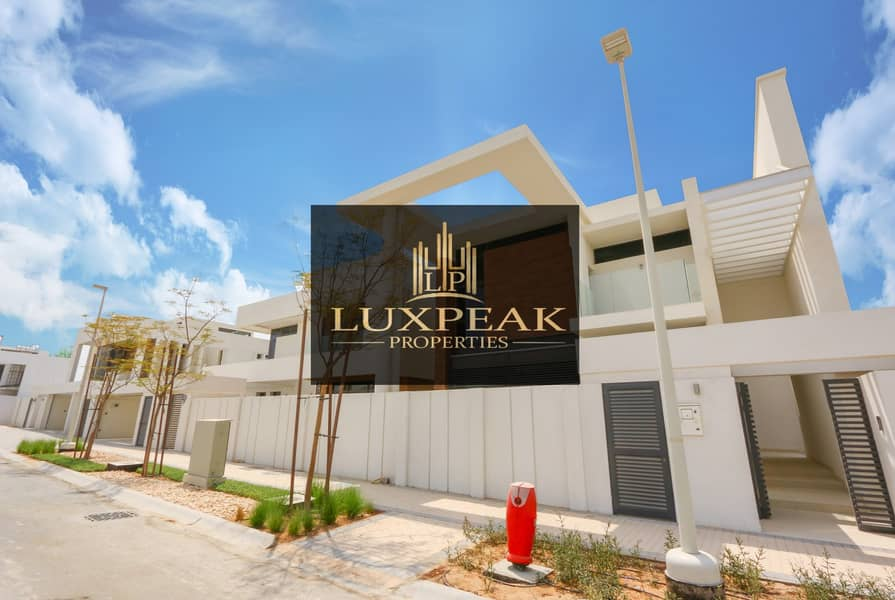 Luxurious Brand New Villa