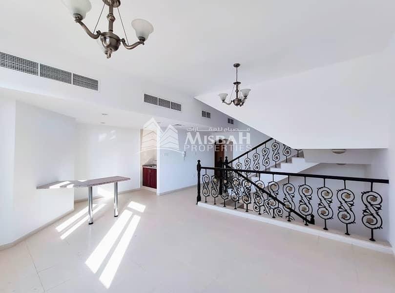 2 Spacious 5 Bedroom Villa in Jumeirah: with Private Garden space