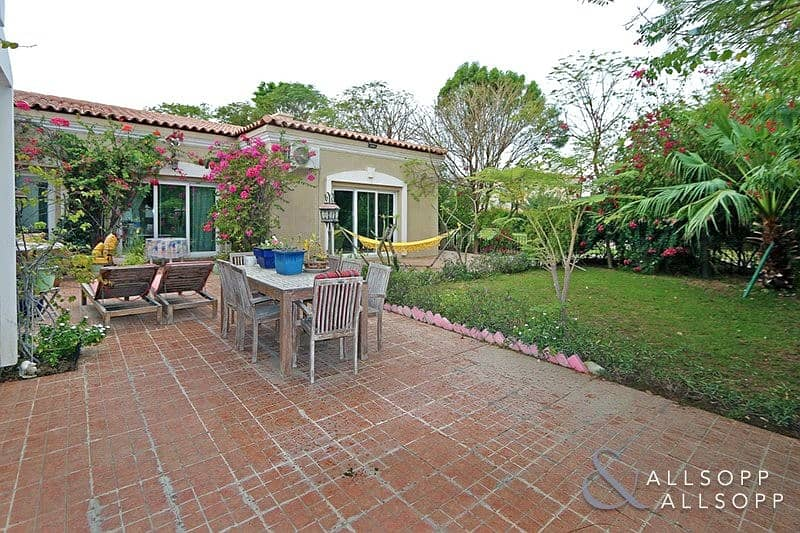 2 Furnished Bungalow | Backing Pool And Park