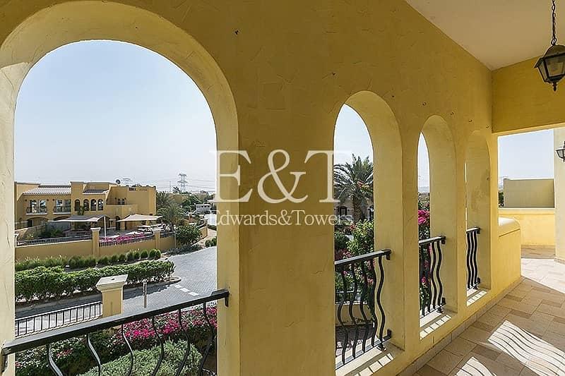 2 Fabulous | Vacant | Upper floor Townhouse | DL