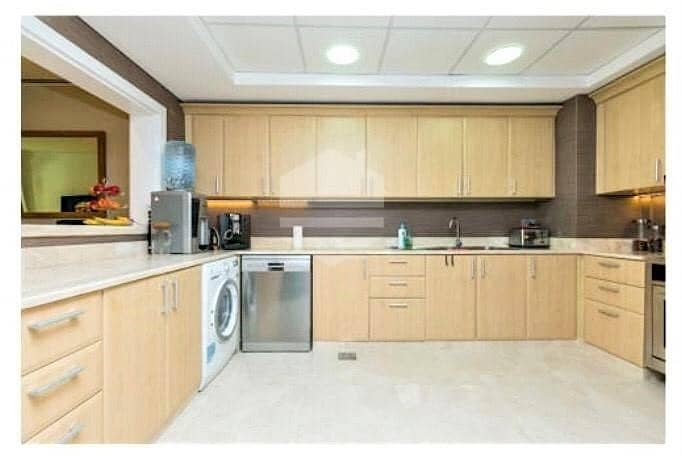 2 Luxury refurbished apartment with maids room