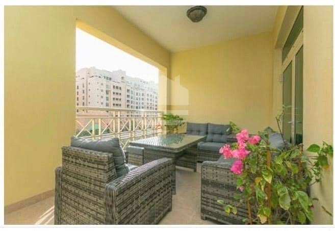 14 Luxury refurbished apartment with maids room