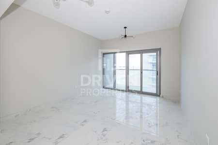 Bright and Brand New Apt | Partly Furnished