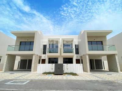 3 Bedroom Townhouse for Rent in Yas Island, Abu Dhabi - Experience Yas Island Lifestyle. Inquire Now!