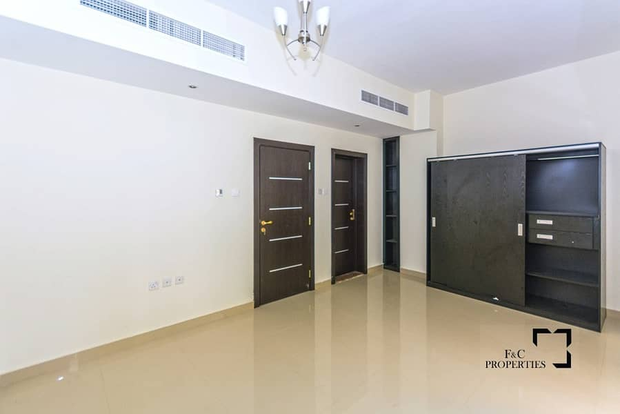 2 Mid Corner 5 Bed+Maid | One Month Free | 6 Cheques