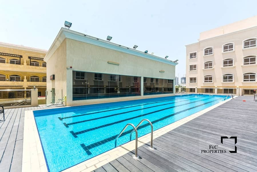 20 Mid Corner 5 Bed+Maid | One Month Free | 6 Cheques