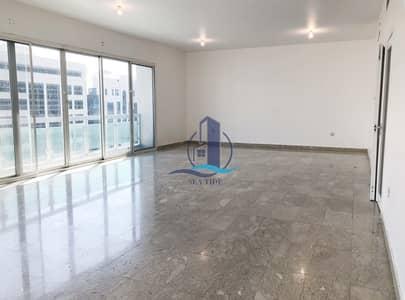 شقة 4 غرف نوم للايجار في الخالدية، أبوظبي - Astounding and Very Spacious Family Apt l w/ Balconies