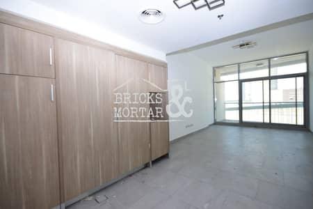 1 Bedroom Apartment for Rent in Jumeirah Village Circle (JVC), Dubai - Multiple Cheques | Spacious | Corner Unit
