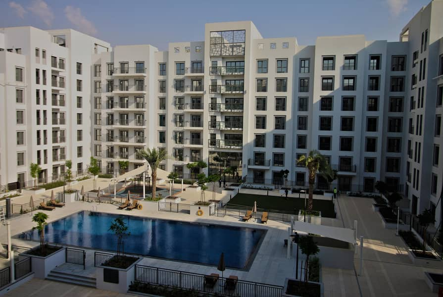 1 MONTH FREE | 3 + Maid + Laundry | Full Pool View