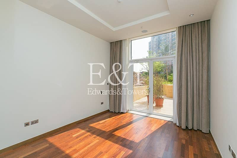 1 Bed wd Large Terrace | Direct Access to Pool