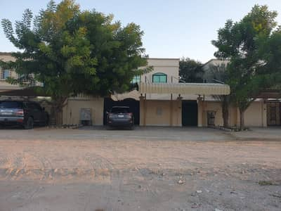 Villa for sale with electricity and swimming pool