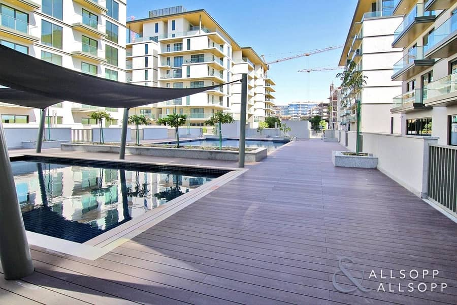 1 Bed Apt | Large Balcony | Pool And Gym