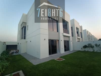 Exceptional quality: 5 b/r indep BRAND NEW villa + maids room + large landscaped garden for rent in Umm Suqeim 1