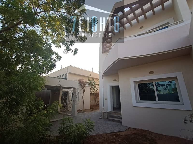 10 Amazing value: 4 b/r semi-indep villa + maids room + PRIVATE S/POOL + large landscaped garden for rent in Jumeirah 1