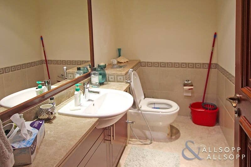 10 1 Bedroom Apartment | High Floor | Vacant