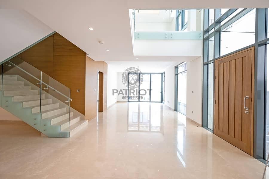 17 True Listing  Pay 1.795M & take Keys 75% in 3 Years  Superb Quality Villa