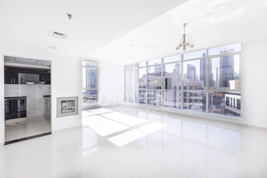 Well-managed and Bright Apt | Canal View