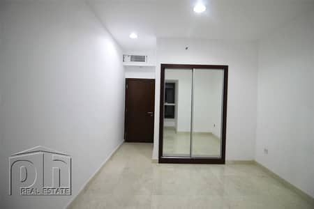 2 Bedroom Apartment for Rent in Dubai Marina, Dubai - Fully Upgraded   Marble   Unfurnished