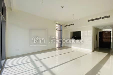 BRIGHT - SPACIOUS - VACANT - HIGH FLOOR!