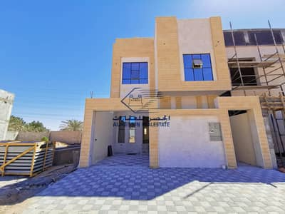 5 Bedroom Villa for Sale in Al Yasmeen, Ajman - For sale, a modern villa in Ajman on a running street, very excellent finishing, at a freehold price for a lifetime for all nationalities