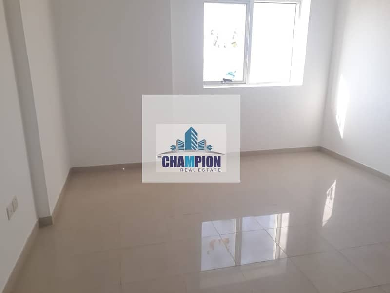 Huge and Specious 1BHK(980sqft)+Closed Kitchen Available in 40k in 4 cheques