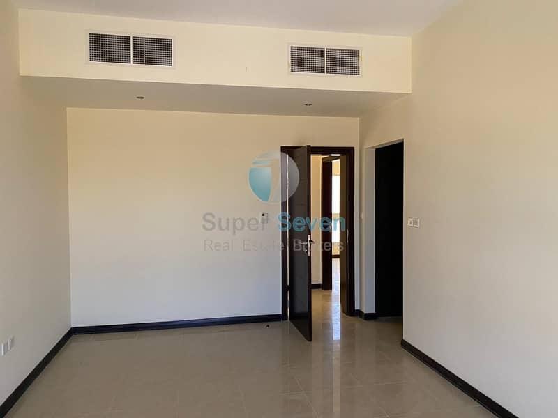 2 Beautiful 4-Bedrooms +maid room villa for rent Barashi