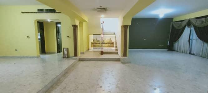 فیلا 4 غرف نوم للايجار في الخالدية، أبوظبي - Appealing Villa w/ Garden in Khalidiya Corniche