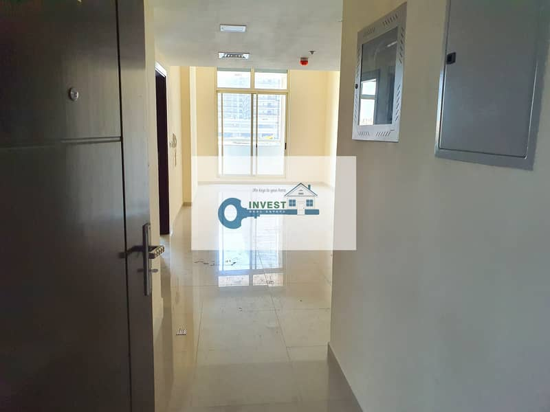 One bedroom spacious lay out 1.5 bath with parking and 900sqf