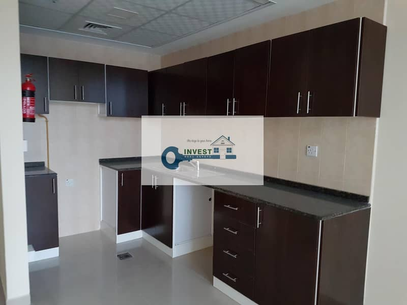 2 One bedroom spacious lay out 1.5 bath with parking and 900sqf