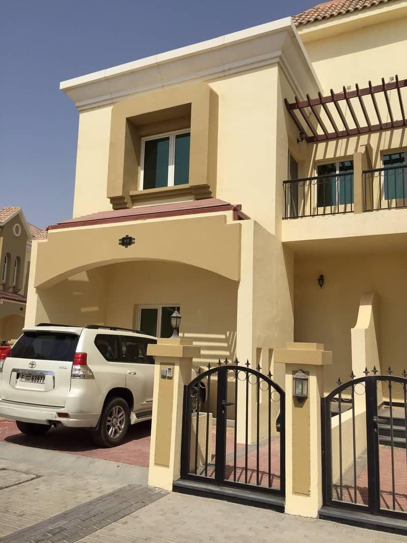فیلا في صحارى ميدوز 1 صحارى ميدوز مجمع دبي الصناعي 3 غرف 48000 درهم - 4826369