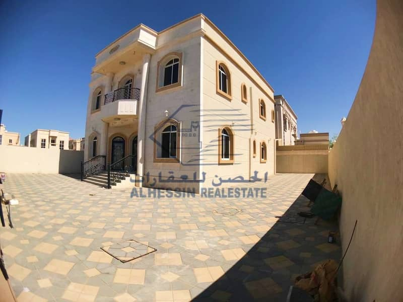 Villa for sale to the citizens of the country only a stone facade in the Hamidiya area