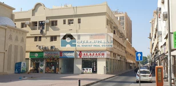 محل تجاري  للايجار في بر دبي، دبي - Retail shops behind Arabian Courtyard next to Mosque