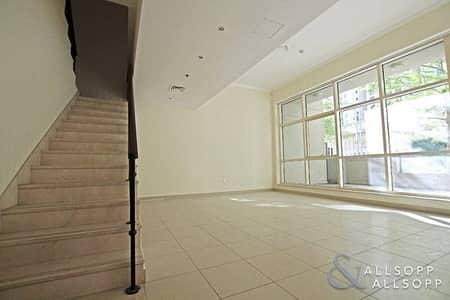 3 Bedroom Villa for Sale in Dubai Marina, Dubai - 3 Bedrooms Villa | Spacious | Chiller Free