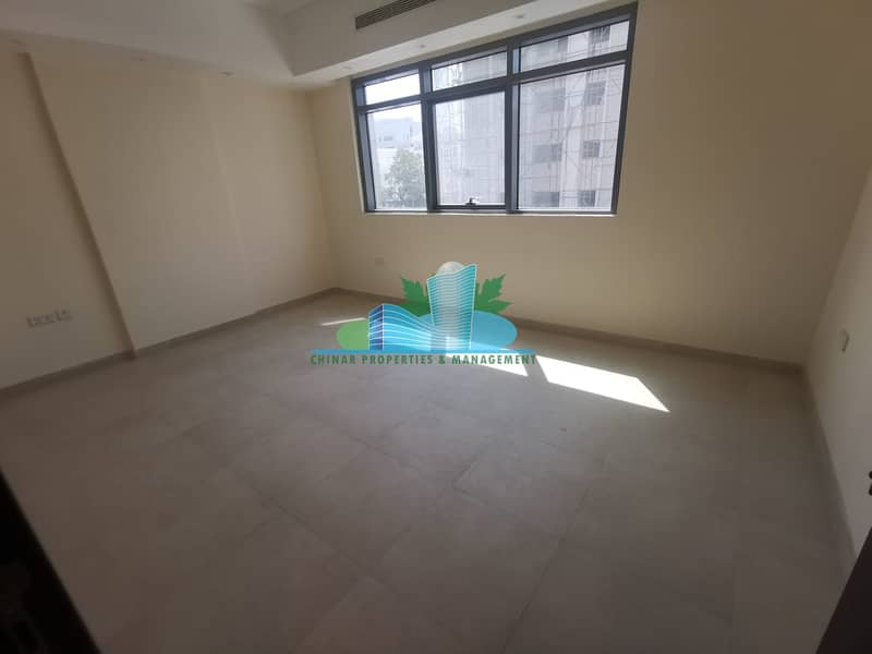 2 We have Attractive 2 bedrooms is waiting for you!