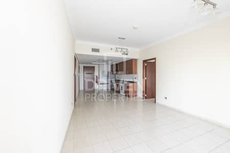2 Bedroom Apartment for Sale in Jumeirah Lake Towers (JLT), Dubai - Well Upgraded and High Floor | Lake View