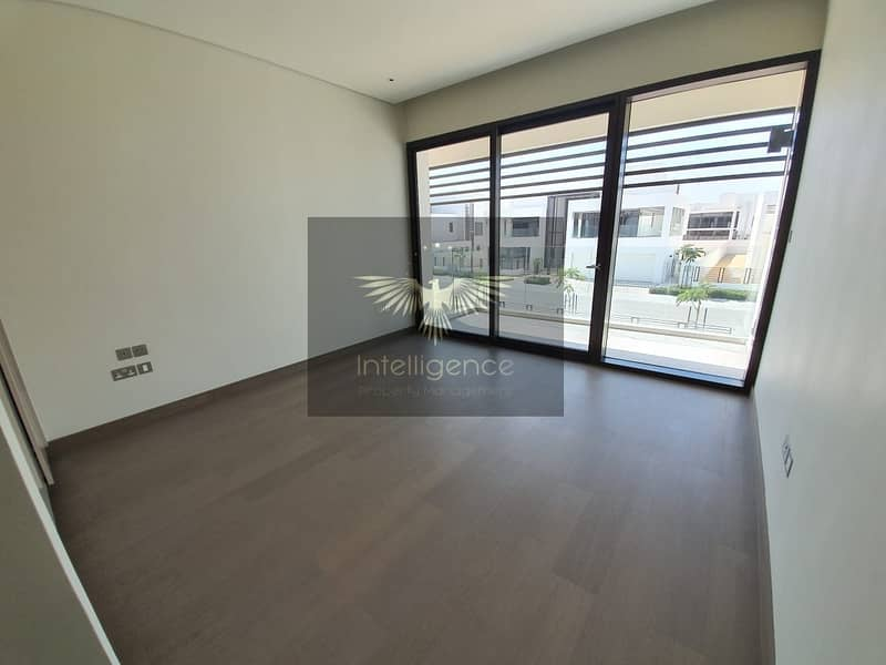 10 Beautiful and High Quality Finished Spacious Villa