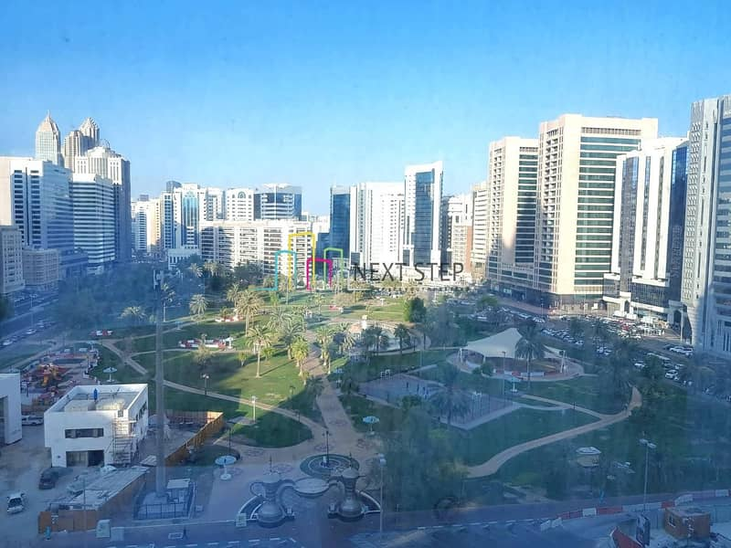 2 Stunning 1 Bedroom Apartment with Balcony & Iconic Park view