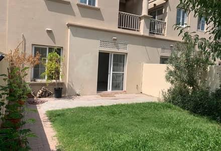 فیلا 3 غرف نوم للايجار في الينابيع، دبي - فیلا في الينابيع 3 الينابيع 3 غرف 100000 درهم - 4804729