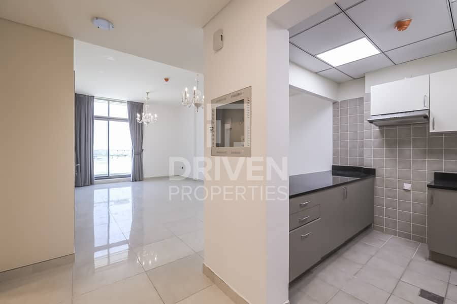 2 Lovely and Bright Apt | Partly Furnished