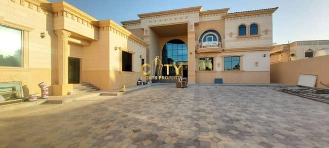فیلا 10 غرف نوم للايجار في المشرف، أبوظبي - Brand New Elegant and Spacious 9 Master Bedroom Villa