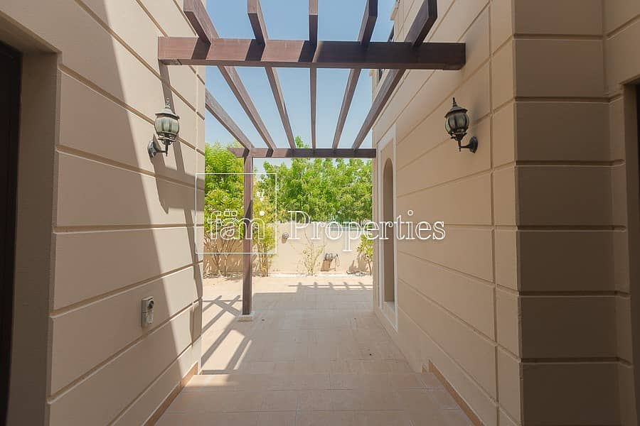 2 4 Bed Middle | Single Row |  Salam Centre